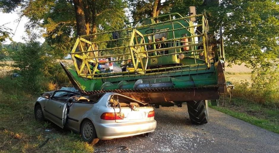 Honda wjechała pod kombajn