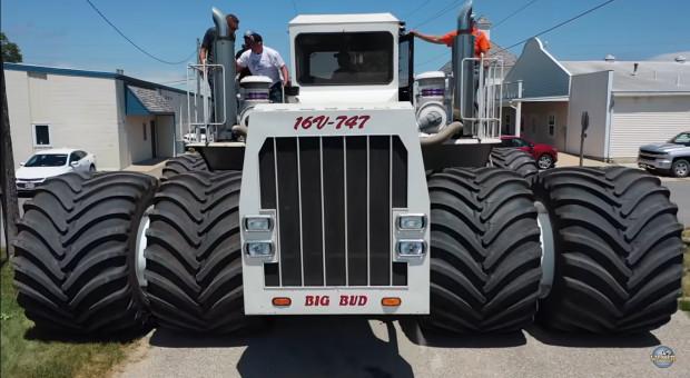 Największy ciągnik świata Big Bud dostał nowe opony!