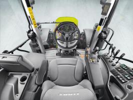 Pomimo budżetowego charakteru ciągnika wnętrze Ariona jest ergonomiczne ikomfortowe