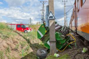 Maszyny zostały kompletnie rozbite, Foto: PSP Piła