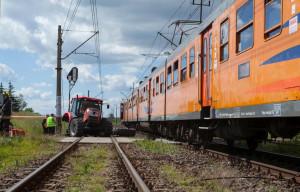 Ruch kolejowy i drogowy zostały wstrzymane na kilka godzin, Foto: PSP Piła