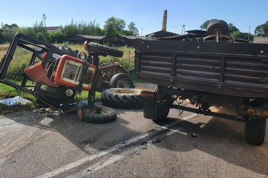 Ciągnik przewrócił się przygniatając dwóch mężczyzn, Foto: Policja