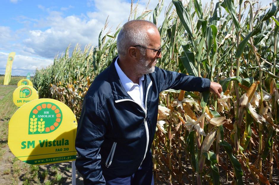 Prof. dr hab. Józef Adamczyk z pasją opowiadał o najnowszych odmianach kukurydzy; Fot. Katarzyna Szulc
