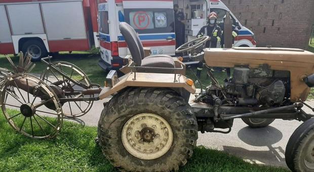 Traktorzysta wpadł pod swój pojazd