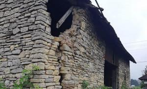 Ze wzgledu na uszkodzenia i zagrożenie inspektor budowlany nakazał wyburzenie budynku, Foto: Strzelce Opolskie