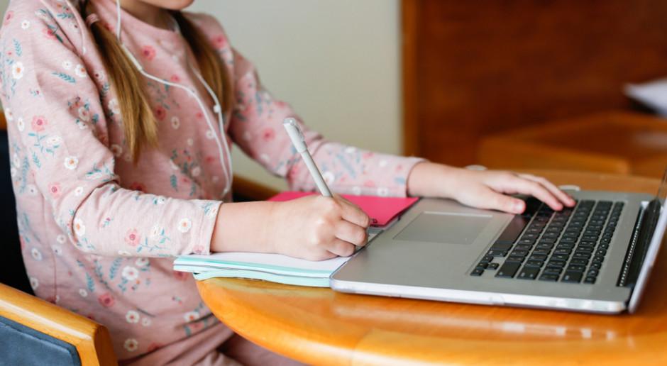Nauka zdalna w klasach IV-VIII i w szkołach średnich przedłużona do 14 lutego