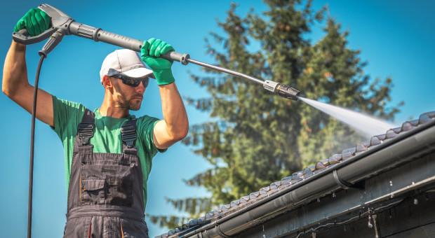 Jak dbać o dach, aby służył przez długie lata?