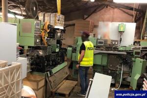Budynek produkcyjny był specjalnie wygłuszony, a maszyny miały niezależne źródła zasilania, Foto: Policja
