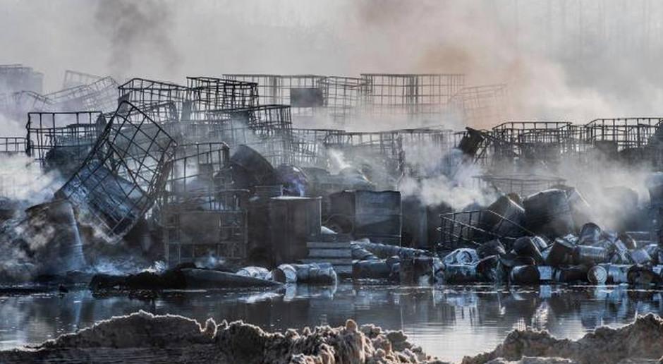 Sprzątanie pogorzeliska w Nowinach utknęło w miejscu