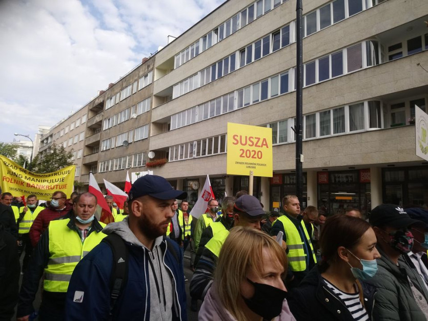 Mocne hasła podczas protestów rolników w Warszawie