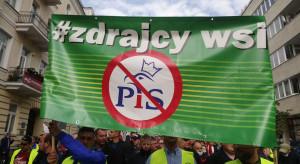 """""""Stop dyktatury Kaczyńskiego i kota jego"""", czyli pod jakimi hasłami protestowali rolnicy?"""