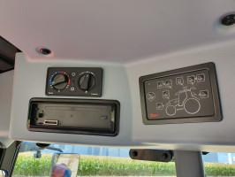 Wszystkie ciągniki otrzymały wydajniejszą klimatyzację i nowe panele do obsługi oświetlenia