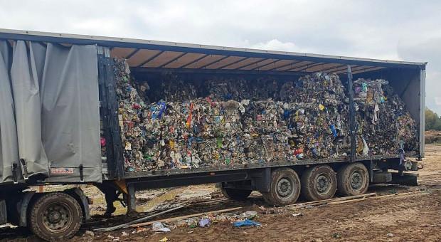 Dwóch zatrzymanych i tony nielegalnie składowanych odpadów