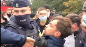 Protest rolników: Kołodziejczak, policja i kajdanki