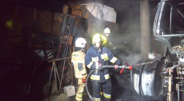 Kombajn i ciągnik poszły z dymem