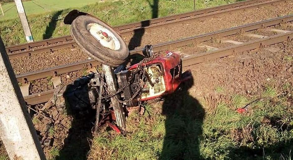Pociąg zderzył się z ciągnikiem