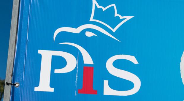 """""""Piątka"""" zostanie zastąpiona innym rozwiązaniem, a PiS utraci większość?"""