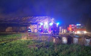 Pożar wybuchł w nocy na fermie w gminie Narew, Foto: PSP Hajnówka