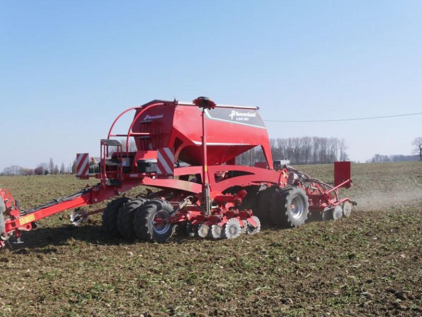Siewnik U-drill z sekcją uprawową MD doskonale sprawdzi się w ciężkich warunkach glebowych.