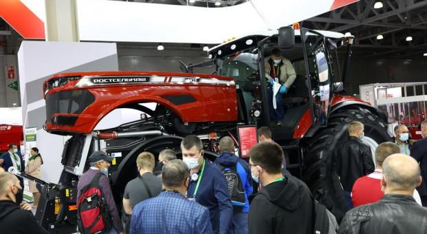 Nowy ciągnik Rostselmash RSM 1370