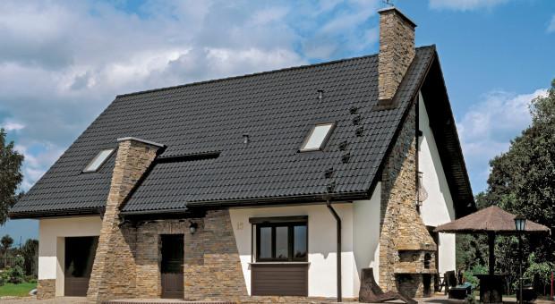 Dlaczego warto wybrać dachówkę betonową na pokrycie dachu?