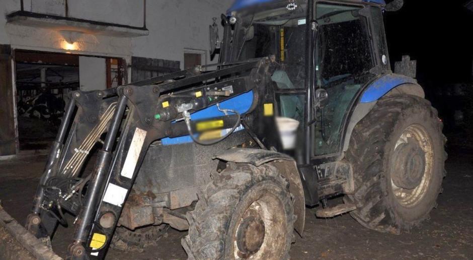 Pijany na traktorze, agresywny w domu