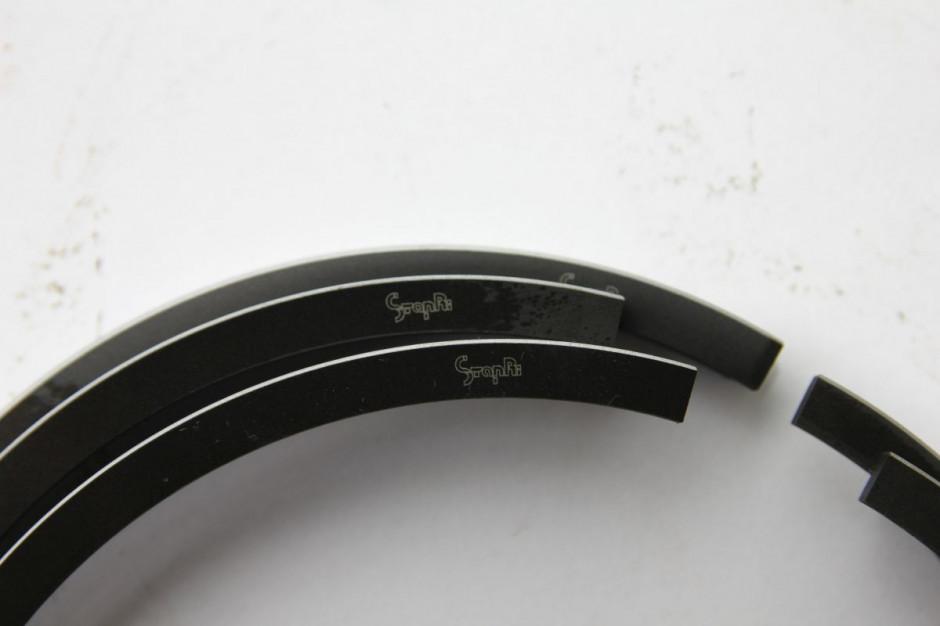 Pierścienie chromowe silnika MTZ. Zakładamy zawsze napisem do góry