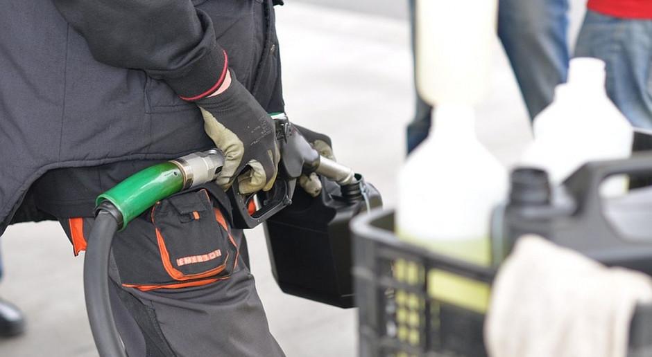 Kryzys paliwowy w USA pogłębia się, a ropa zyskuje