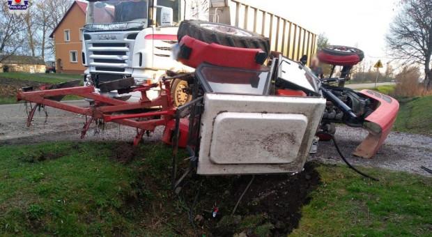Zderzenie ciężarówki z traktorem