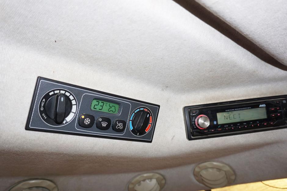 Klimatyzacja automatyczna zapewni nam dużo większy komfort pracy, jednak jej ręczna wersja przy odpowiednim ustawieniu będzie równie skuteczna fot. Farmer