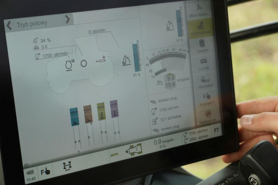 Szczegółowe, aktualne dane wyświetlone na monitorze Claas CEBIS, fot. kh