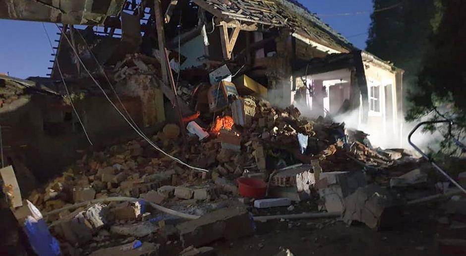 Wybuch gazu zniszczył dom, ranna kobieta