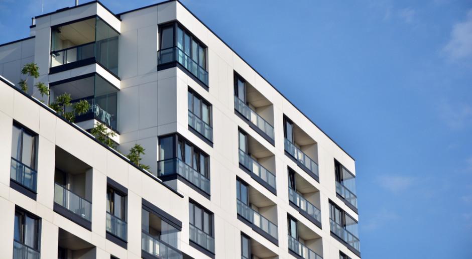 W listopadzie zainteresowanie kredytem mieszkaniowym spadło o 5,6 proc.