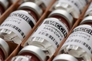 Osoby powyżej 60. roku życia otrzymają zaproszenia na szczepienia