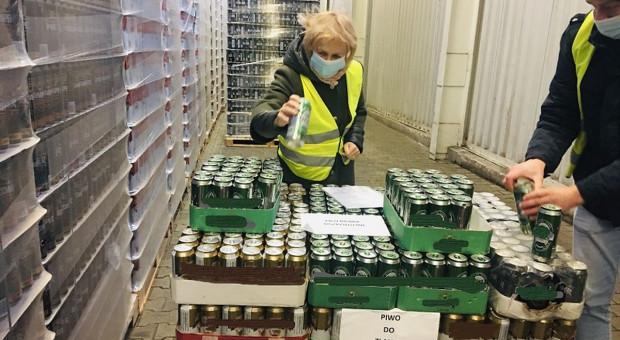 Setki litrów piwa wylane do ścieku