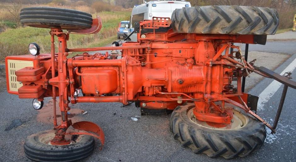 Ciągnik zgubił koło i zderzył się z dostawczakiem na trasie S3