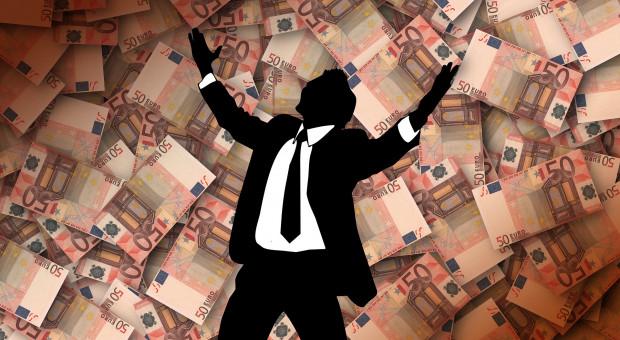 272 mln zł na nagrody i premie, w tym 7 mln zł tylko dla szefów MRiRW, KOWR i ARiMR w I półroczu 2020 r.