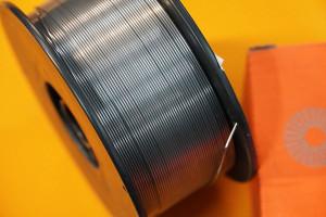 Drut spawalniczy samoosłonowy do spawania metodą MIG/MAG bez użycia butli zgazem osłonowym