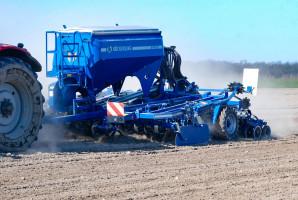 Ciekawą propozycją firmy Köckerling jest agregat Vitu. Na portalu farmer.pl znajdziecie artykuł ztestem maszyny