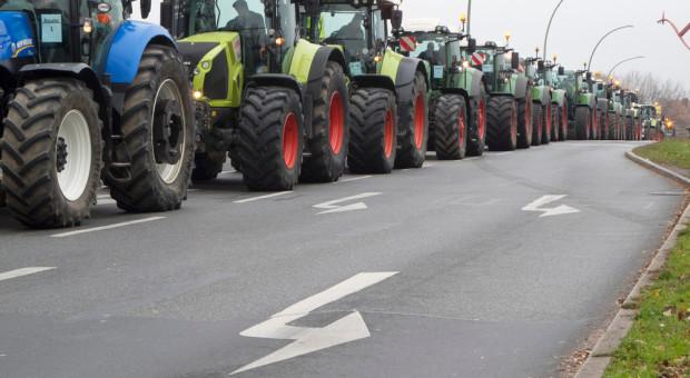 Niemcy: Trwają ogólnokrajowe masowe protesty rolników