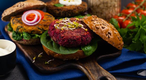 Sieci handlowe zachęcają pracowników do diety wegetariańskiej?
