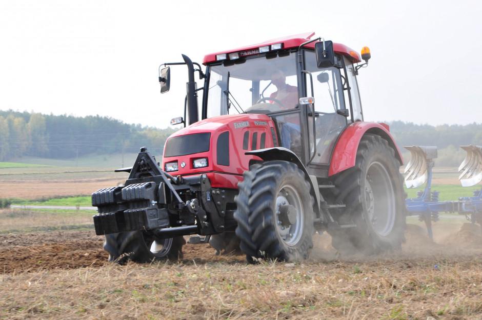 Farmer F5-12272s z silnikiem FPT o mocy 112 KM i skrzynią biegów ZF, fot. mat. prasowe