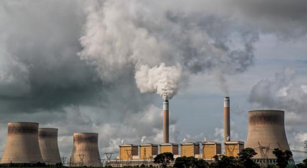 IEA ostrzega przed wzrostem globalnej emisji CO2 w 2021 roku