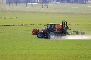 Ile będzie kosztowało wycofanie substancji czynnych środków ochrony roślin z rynku UE?