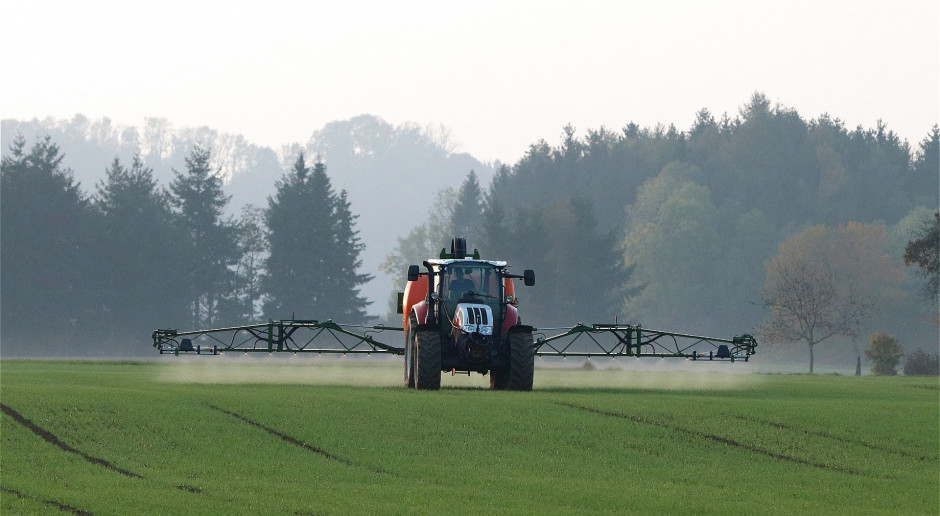 PZPRZ: Rolnicy czekają na nowe środki ochrony roślin