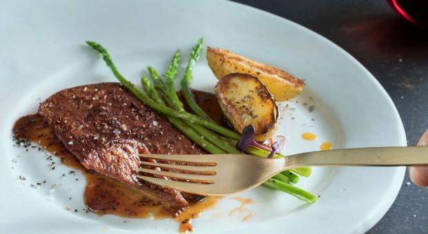 Mitsubishi wchodzi na rynek mięsa hodowanego komórkowo