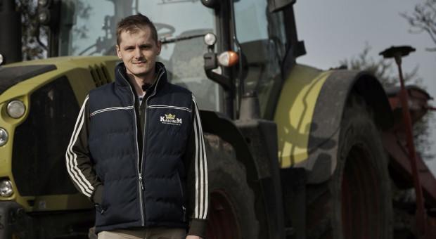 Michał Nierychlewski podkreśla stabilność i bezpieczeństwo pracy ciągnikiem Arion 630, fot. Claas