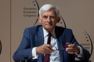 """Jerzy Buzek: Potwierdziliśmy że """"wchodzimy"""" w Europejski Zielony Ład"""