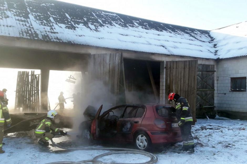 W pożarze stodoły zginął gospodarz, Foto: OSP Sarnowa Góra