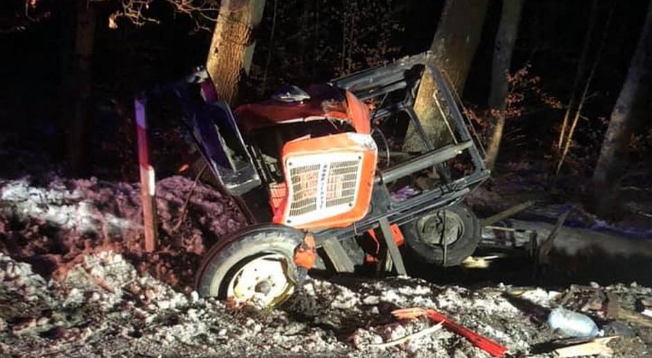 Pijany kierowca auta najechał na ciągnik